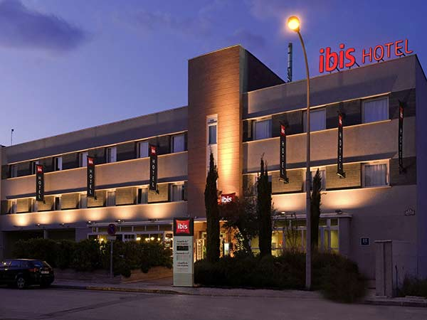 exteriores-hotel-ibis