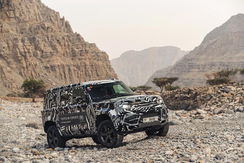 Novedades en todoterrenos en septiembre: los Bollinger y el Land Rover Defender